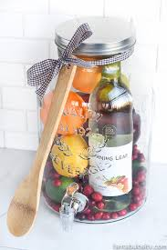 15 diy gift basket ideas how to make your own holiday gift baskets