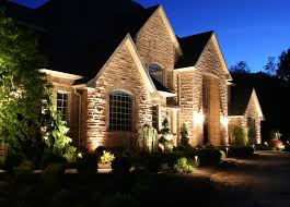 image of landscape lighting tips