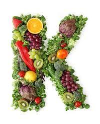 عوارض کمبود ویتامین k در بدن چیست؟ - تابناک | TABNAK