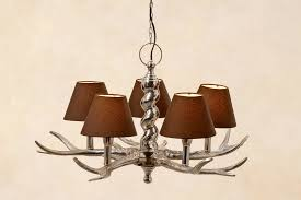 Kronleuchter Geweih Mit Schirmchen In Braun Geweihlampe Deckenlampe Lampe Ast