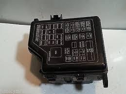 2001 01 2002 02 2003 03 hyundai santafe fuse box block relay panel 2001 01 2002 02 2003 03 hyundai santafe fuse box block relay panel used oem