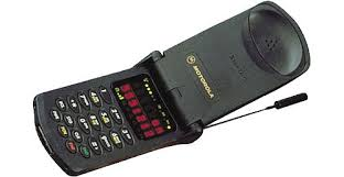 first motorola bag phone. at the time of its release, startac was smallest cell phone available, but it still expensive, checking in about $us1,000. first motorola bag