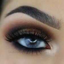 brown smokey eye makeup look for blue eyes