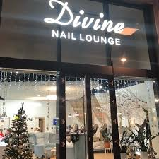 Divine Nail Lounge Oc Campus Square Brno Manikúra Pedikúra Brno