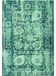 green rug runner