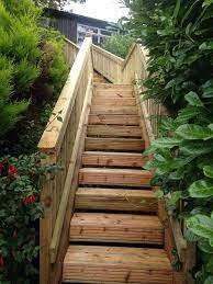 Die holztreppe habe ich sehr einfach aber trotzdem stabil konstruiert. Gartentreppe Selber Bauen 47 Gestaltungsideen Und Tipps