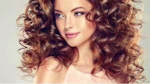 Super Tipy Jak Pečovat O Vlasy Kudrnaté Suché A Barvené Feminacz