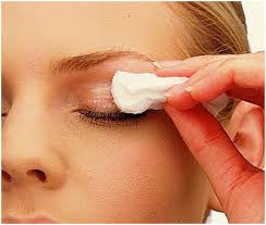 removing eye makeup with vaseline pinit