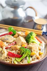 vegetable stir fry with rice noodles