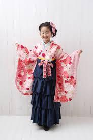 可愛いフリル付のジュニア袴で前撮りしました 小学生卒業袴 卒業 袴