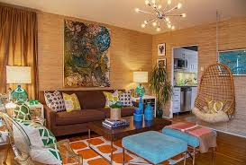 Retro living room with tropical-themed soft furnishings