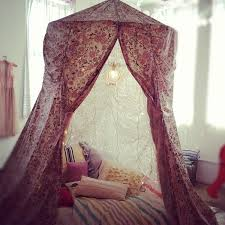 diy bed canopy hula hoop and above the bed will be a