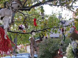 Outdoor Halloween Props Cheap Halloween Decorations 21 Cheap And Easy Halloween Scary