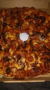 photo of round table pizza oakland ca united states pepperoni bacon