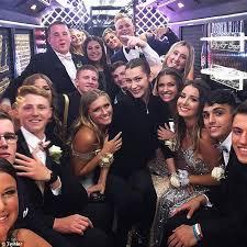 Bella High School New Online Prom Hadid York Crashes Daily In Mail rUnwxrFq