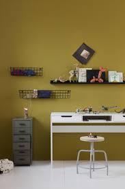 Wit Bureau En Legergroene Ladekast In Kinderkamer Shopinstijlnl