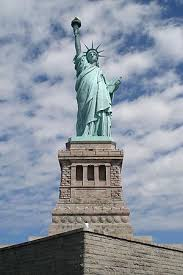 the american dream once did exist student essay visum monachae  the statue of liberty front shot on liberty i