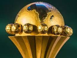 كأس الاتحاد الأفريقي لكرة القدم: نهائي جزائري-مغربي بين شبيبة القبائل  والرجاء البيضاوي