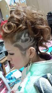 成人式刈り上げ女性 髪フェチ レザーアート刈り上げアート