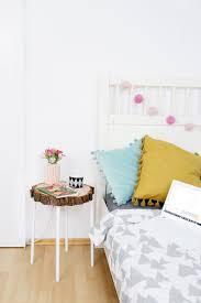 Diy Beistelltisch Aus Baumscheibe Und Ikea Hocker Diy Furniture