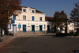 Montgeron - Crosne railway station