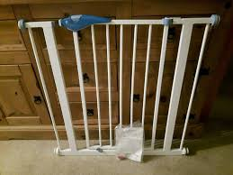 lindam stair gate with instructions 10
