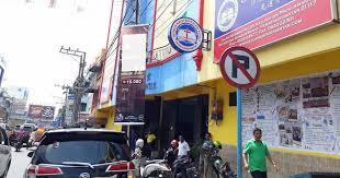 Pt surya madistrindo merupakan salah satu anak perusahaan pt gudang garam tbk yang merupakan produsen rokok terpenting di indonesia yang berdiri mulai sejak 1958, kami menghasilkan beragam type product rokok berkwalitas yang telah menyebar luas di indonesia ataupun didunia. Dilarang Iklan Tembakau Perusahaan Ini Malah Pasang Iklan Rokok Di Depan Sekolah Lintas Publik
