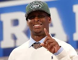 "Geno Smith, the once projected top NFL draft pick who fell to the second round, fired his agent, citing ""a number of things."" - geno-smith1"