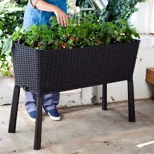 212157 elevated garden planters46