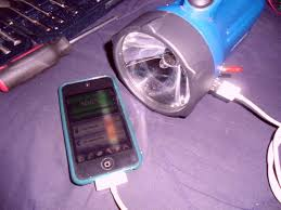 the simplest ipod ipad iphone charger circuit 4 steps
