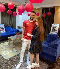زوجة بيكهام تحتفل بعودته للأهلى بفوتوسيشن البالونات الحمراء.. صور - اليوم  السابع
