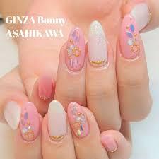 Ginza Bonny旭川店さんのネイルデザイン ピンクとホワイトの大人女子な