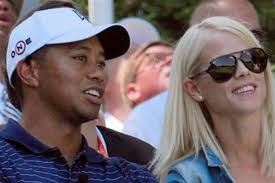 Tiger Woods rivuole l'ex moglie - Lettera43