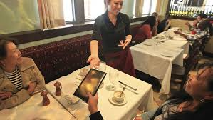 Restaurant and Uber tipping policies: a revolution in the tip world