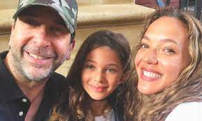 Jul 07, 2020 · david schwimmer net worth and salary: Friends Star David Schwimmer Shares Glimpse Inside Stunning Home In New York Where He Lives With Daughter Cleo Hello