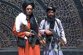 طالبان تسيطر على جلال آباد.. وعينها على كابل