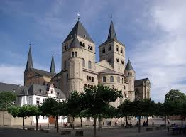 the cathedral by raymond carver is full of both imagery and english trier cathedral deutsch trierer dom