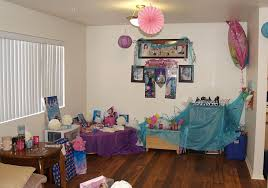 birthday party room decoration