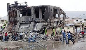Tien jaar na de aardbeving op Haïti is ...