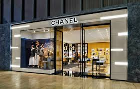 chanel outlet. chanel entrance from within yorkdale shopping centre. photo: holt renfrew outlet