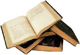 pile-de-livres-5 – Sous les pavés…..la page