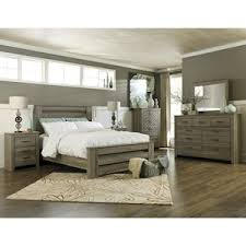 Zelen 4 Piece King Bedroom Set in Warm Gray