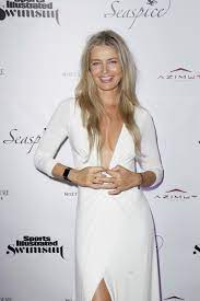 How old is Paulina Porizkova and what ...
