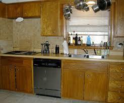 Kết quả hình ảnh cho những căn bếp củ kỹ