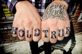 мужские татуировки на пальцах рук по ту сторону закона большая