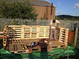 build a shed from pallets