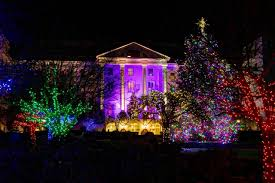 Swan Lake Sumter Sc Christmas Lights 40 Places To See Stunning Holiday Lights For Free Holidays
