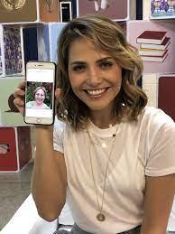 Letícia Colin mostra foto do grupo de mensagens da sua família | Tamanho  Família
