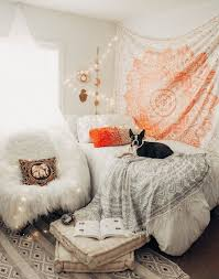 relaxing tapestry bedroom decorating