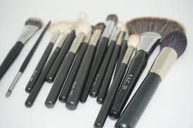 if you love makeup you would understand the importance of makeup brushes it used to always make me sad that there were no good quality affordable brushes